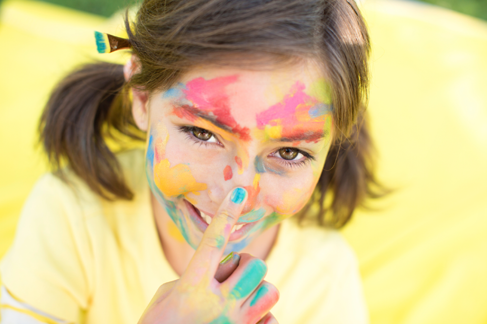 6 Party Perfect Nail Polishes That Are Non-Toxic And Safe For Kids ...
