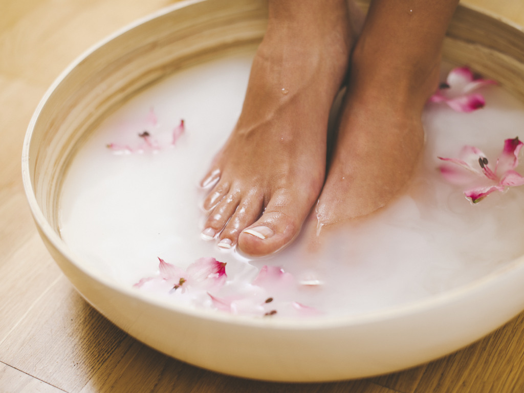 5 Quick Ways to Remove Hard Foot Skin, Corns and Calluses | Footfiles