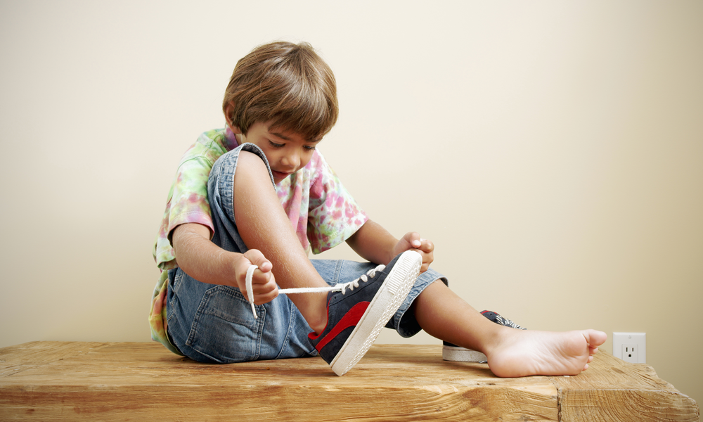 Kids Learning To Tie Shoe Laces Later Than Ever, Studies ...