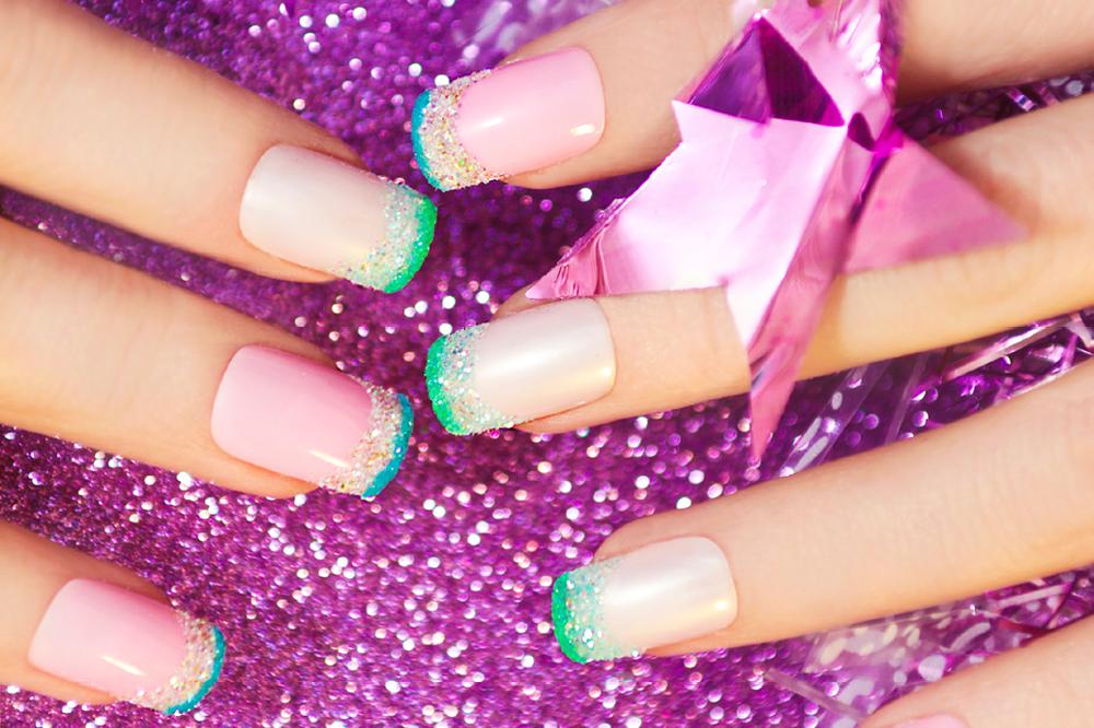 Impressive and super simple diy nail art design ideas footfiles marigo20istock sparkalicious prinsesfo Images