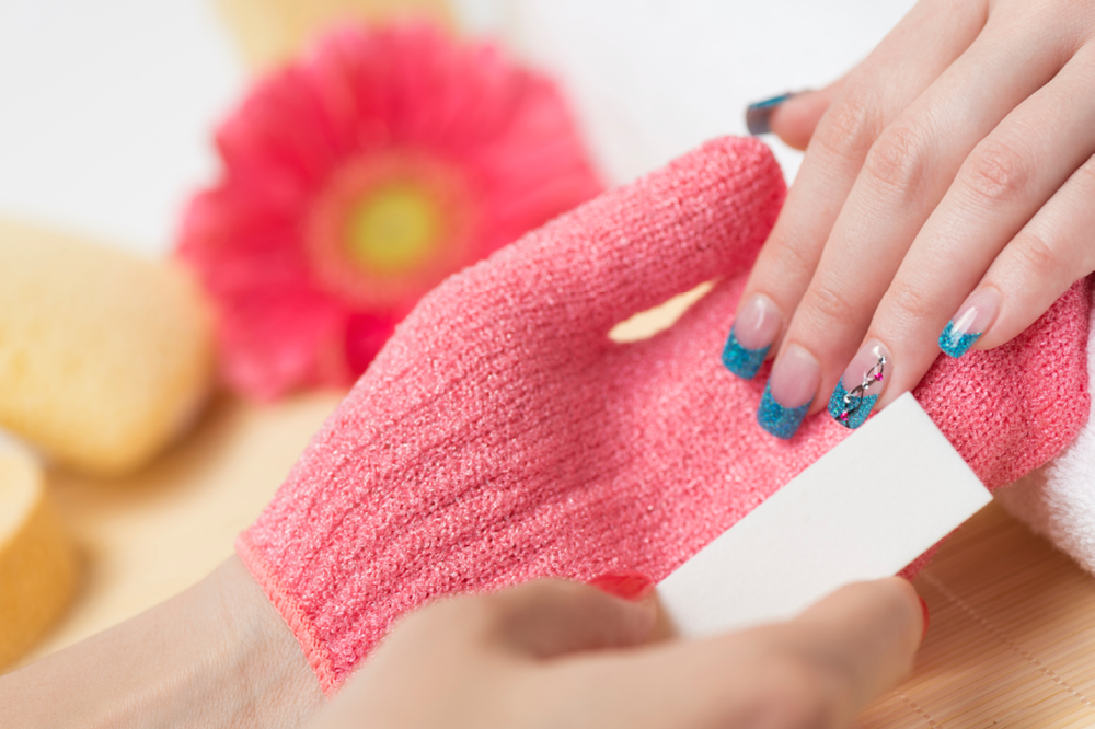 7 Nasty Habits That Are Secretly Ruining Your Nails | Footfiles