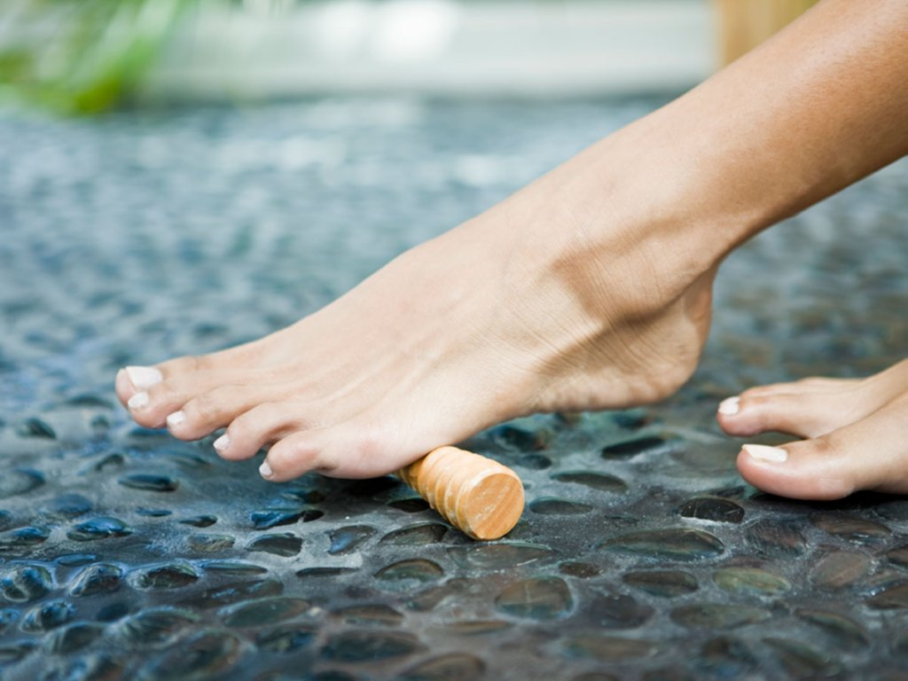 Experts Say Yoga Toes And Toe Stretchers Do Reduce Foot Pain Footfiles