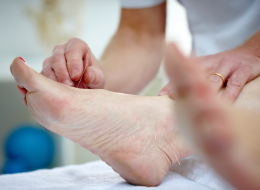 How Acupuncture Can Help Treat Chronic Foot Pain