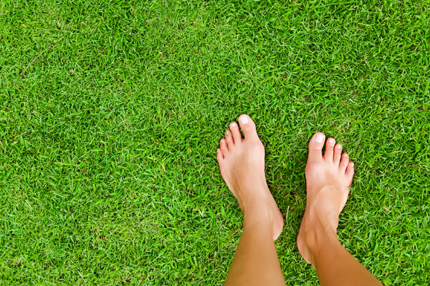 going barefoot benefits anti-aging effects