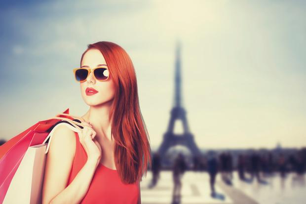 Shopping In Paris Eiffel Tower