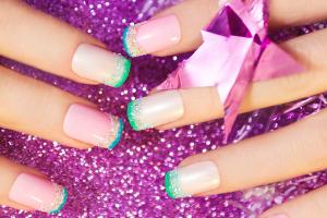 Glitter Line French Manicure